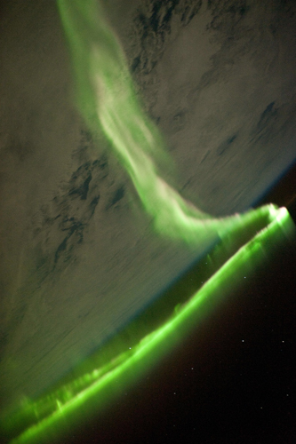 Above Aurora Australis ISS023-E-58455sm.jpg
